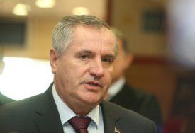 """VIŠKOVIĆ ČESTITAO KRSNU SLAVU """"Nemjerljiva uloga VRS u stvaranju i odbrani Srpske"""""""