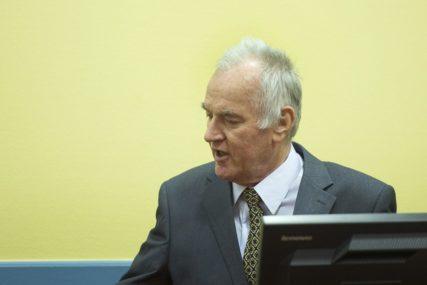ZBOG LOŠEG ZDRAVSTVENOG STANJA Odbrana generala Mladića zatražila odgađanje iznošenja žalbe