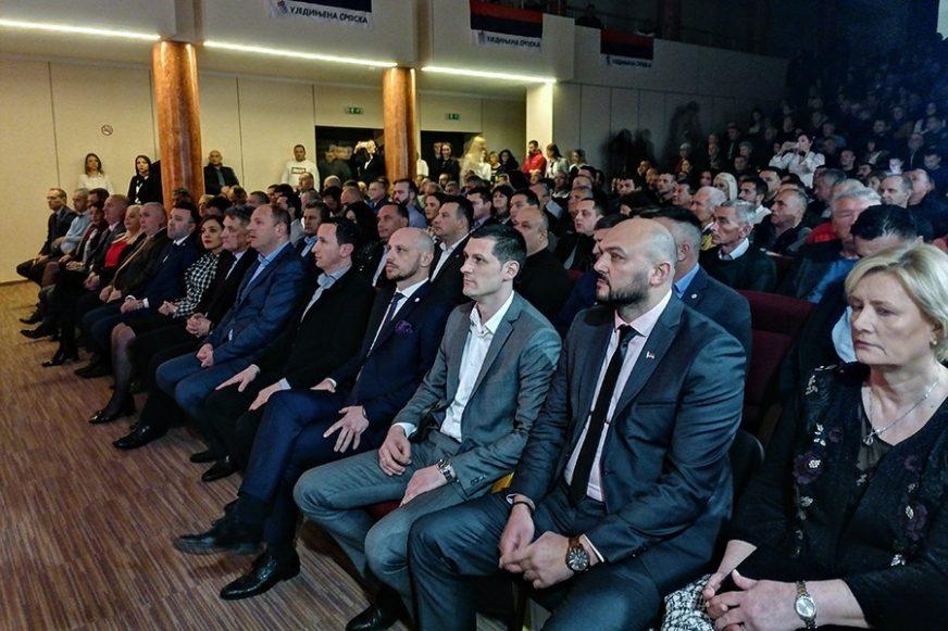"""""""BUĐENJE SRPSKOG JEDINSTVA"""" U Trebinju održana javna tribina Ujedinjene Srpske"""