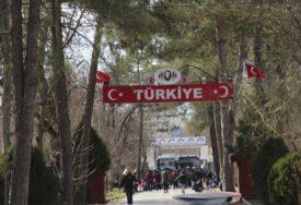 """""""NEĆE UĆI U ZEMLJU"""" Grčka ZATVORILA GRANICU sa Turskom zbog velikog broja migranata (VIDEO)"""