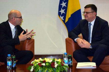 """""""PITANJE GRANICE OD ŽIVOTNE VAŽNOSTI"""" Tegeltija razgovarao sa ambasadorom Srbije u BiH"""