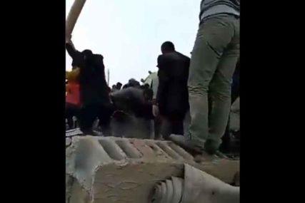 EPILOG STRAŠNOG ZEMLJOTRESA Najmanje sedam osoba poginulo, među njima ima i DJECE (VIDEO)