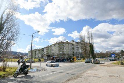 Nakon dugogodišnjih zahtjeva: Postavljaju semafor kod boračkih zgrada u Adi