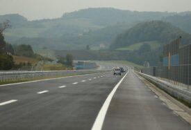 TUŽNA PRIČA SPRSKOG SELA Jedno mjesto u Srbiji je potpuno NAPUŠTENO, prodaje se gotovo SVE