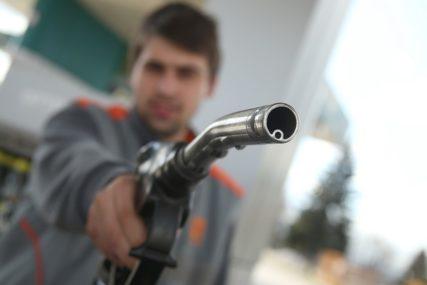 OVO JOŠ NIJE VIĐENO Cijena nafte pala ISPOD NULE, proizvođači doživjeli ŠOK NA TRŽIŠTU
