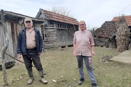NOVI KROV NAD GLAVOM ZA 17 PORODICA Kuće im uništila klizišta, konačno stiže rješenje