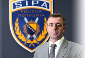 KORIŠTENJE SLUŽBENIH VOZILA U PRIVATNE SVRHE Protiv zamjenika direktora SIPA podignuta krivična prijava