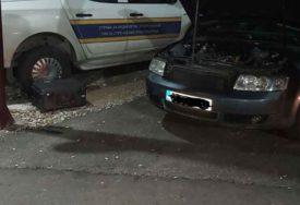 """""""AUDI"""" DETALJNO PREGLEDAN Na granici BiH i Crne Gore oduzet kokain, uhapšene dvije osobe"""