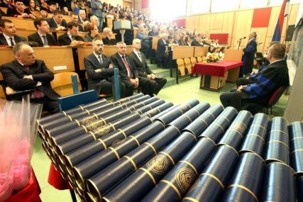 PREF ODABRAO NAJBOLJE Tri nagrade za diplomce Ekonomskog fakulteta