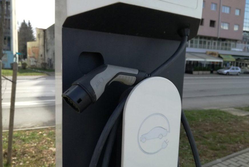 POPUST NA HIBRIDE BiH ukida carinu na uvoz električnih vozila
