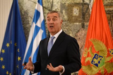 """""""LAŽNI VIŠEPARTIZAM"""" U Crnoj gori ima 600 hiljada stanovnika, a 50 političkih partija"""