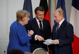 EU POZIVA NA PREKID SUKOBA U SIRIJI Merkel i Makron razgovarali sa Putinom o Idlibu
