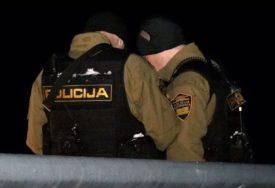 POLICAJAC UHAPŠEN U TUZLI Osumnjičen za nasilje u službi i nezakonito hapšenje