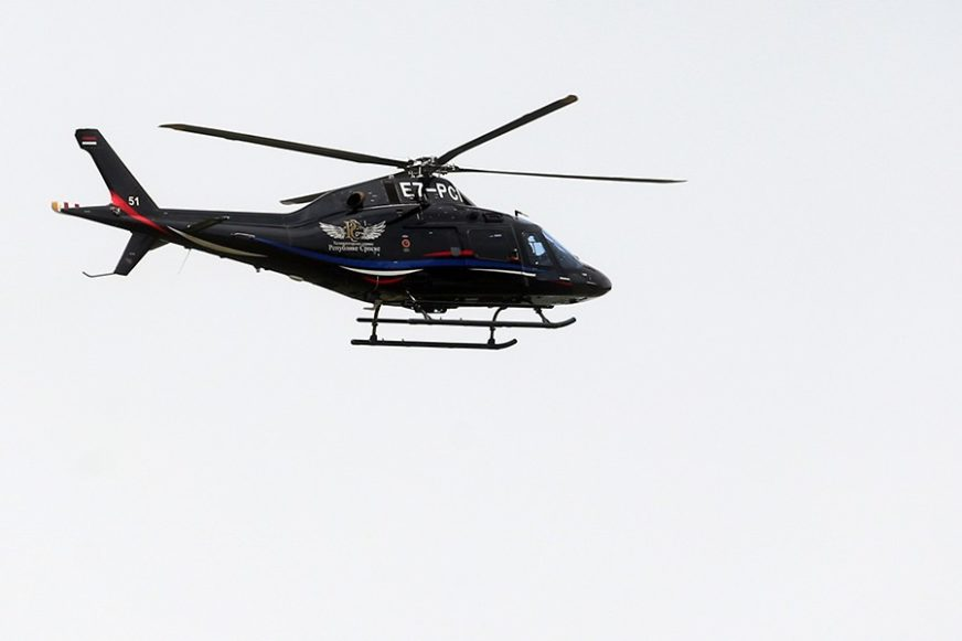 Iako je na snazi zabrana kretanja: Helikopterom išao po hranu