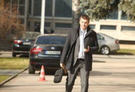 KORONA UTICALA NA GLASANJE Todorović objasnio zbog čega nije podržao zaključke SNSD