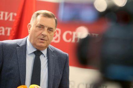 HUMANO Dodik će martovsku platu podijeliti u osam višečlanih porodica