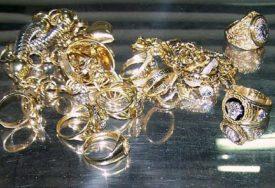 RAST RIZIČNIH ULAGANJA Razlika u cijeni između zlata i srebra NAJVEĆA OD 1991. GODINE