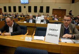 BURNO NA POČETKU SJEDNICE Žestoka rasprava, opozicija traži SMJENU Lukača