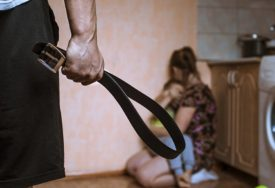 STRAVIČNE STATISTIKE O NASILJU NAD ŽENAMA Zakoni evropski, tortura balkanska, a nasilnici na slobodi