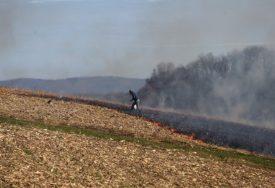 EKSPLOZIJA U NJIVI Jedna osoba povrijeđena prilikom paljenja korova u Sapni