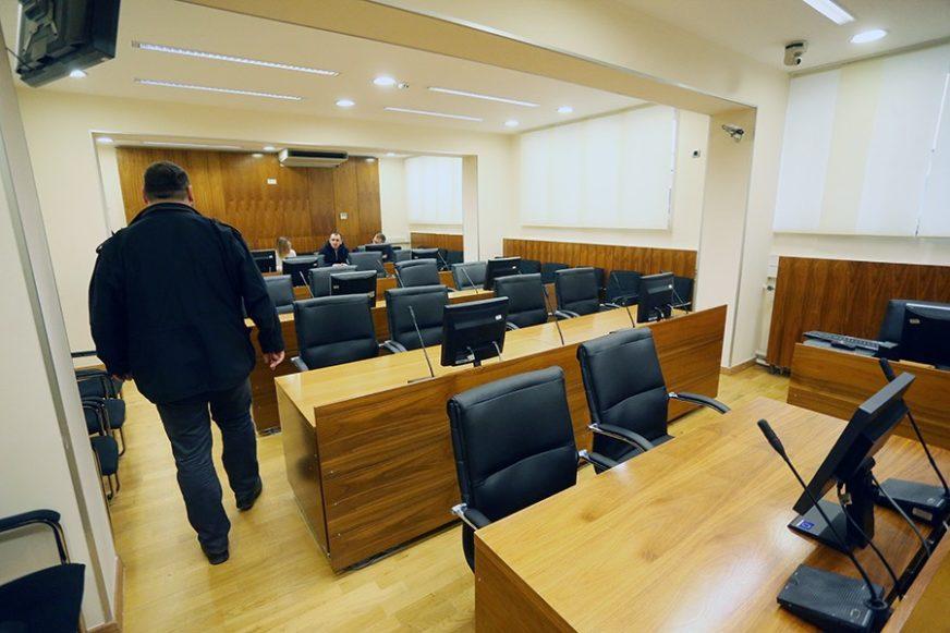 AKO SUDIJA ZABUŠAVA, RS GRAĐANIMA PLAĆA 3.000 KM Šta sadrži prvi zakon o suđenju u razumnom roku