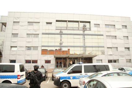 """Zaplijenjeno više od osam kilograma skanka: Uhapšeni u akciji """"Kosmos"""" sprovedeni u Tužilaštvo"""