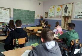 UČENICI U STRAHU OD POVRATKA U ŠKOLU Za dvije nedjelje 97.000 djece oboljelo od korone