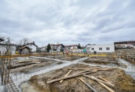 GRADE AMBULANTU I VRTIĆ Postavljeni temelji za novu mjesnu zajednicu na Petrićevcu