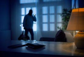 """""""ŽAO MI PROVALNIKA"""" Lopov upao u stan da ga opljačka, nije mogao da vjeruje šta vidi"""
