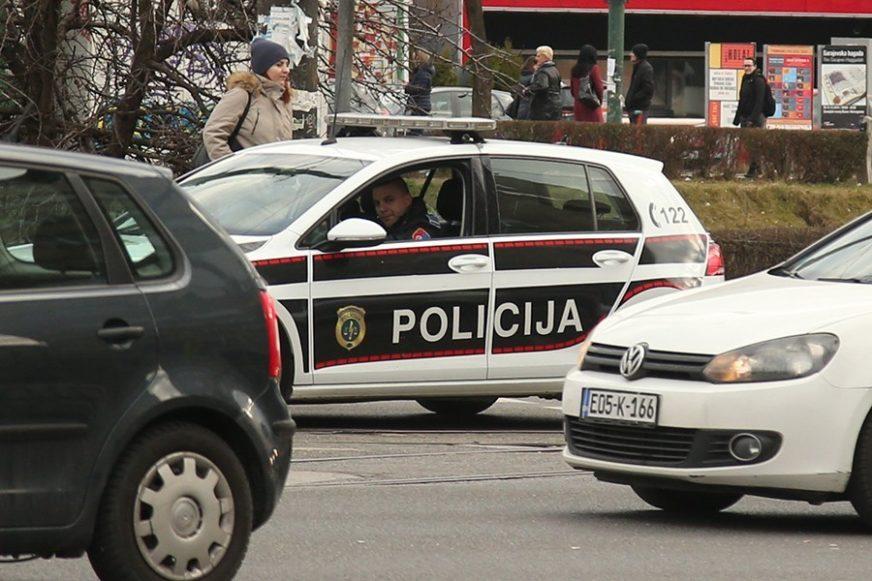 Muškarac PRONAĐEN MRTAV u automobilu u Tuzli: Utvrđuje se UZROK smrti
