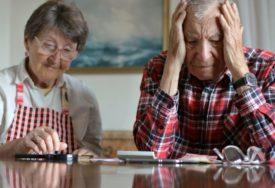 NA METI NASRTLJIVIH TRGOVACA Penzionerima uvaljuju SKUPE aparate, ŠTETNE po zdravlje