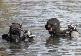 TRAGEDIJA Mladić se utopio u jezeru, traga se za tijelom