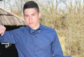 """""""Odvažilo se srce da izdrži"""" Majka Stefana Filića (18) u sudnici gledala SNIMAK UBISTVA SINA"""