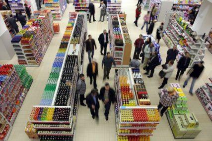 KAŽNJENI SA 32.000 KM Epidemiološke mjere prekršilo 16 trgovačkih objekata u Srpskoj