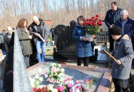 """""""OTIŠAO U LEGENDU, TAMO SE NE UMIRE"""" Odata počast pukovniku Vojske Srpske Milanu Joviću"""