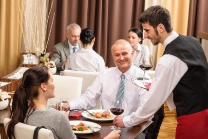 Dnevno u restoranima potrošimo 178.000 KM: Mušterije nisu samo oni koji imaju, već i oni koji su naučili