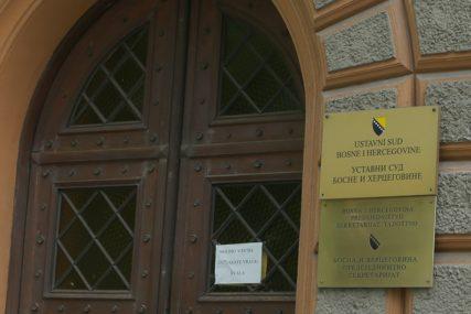 Sarajka tražila da joj se zbog korone OMOGUĆI POROĐAJ KOD KUĆE, uputila tužbu Ustavnom sudu BiH