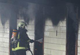 Sumnja opet pala na migrante: Ugašen požar u napuštenoj kući u Sarajevu