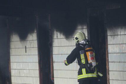 SUMNJA DA SU POŽARI PODMETNUTI Izgorjele dvije kuće u kojima su boravili migranti