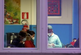 ŽRTVA STARIJI MUŠKARAC Švajcarska potvrdila prvi smrtni slučaj od virusa korona