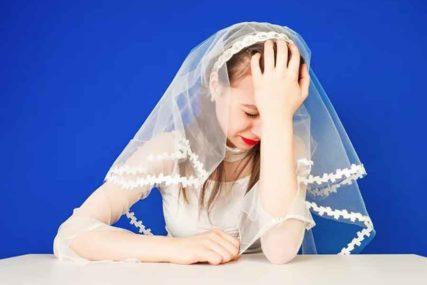 """MLADA BIJESNO PORUČILA """"Ko mi zbog virusa ne dođe na svadbu, za mene ne postoji"""""""
