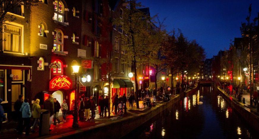 ŠTO STE GLEDALI, GLEDALI STE Amsterdam zabranjuje turističke ture u Crvenoj četvrti