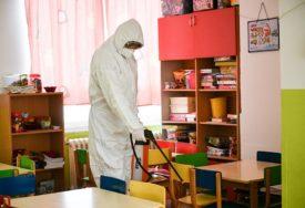 POJAČANE MJERE HIGIJENE Počela dodatna dezinfekcija javnih prostora u Banjaluci (FOTO)