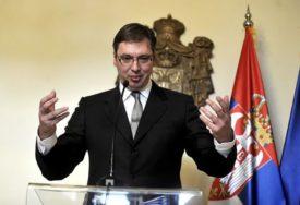 """""""BRANITI ZEMLJU"""" Vučić čestitao Vidovdan uz poruku da je to najvažniji dan za Srbe"""