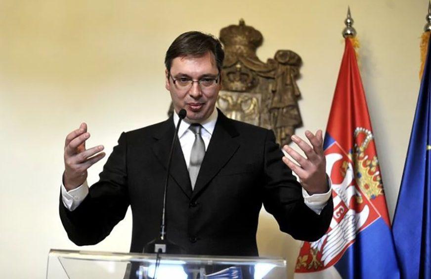 """""""ALA STE SE ODOMAĆILI"""" Vučić prekinuo monotoniju i iznenadio kolege u štabu (VIDEO)"""