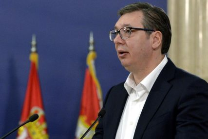 POMOĆ U BORBI PROTIV KORONA VIRUSA Vučić: Srbija šalje Srpskoj respiratore, lijekove i maske