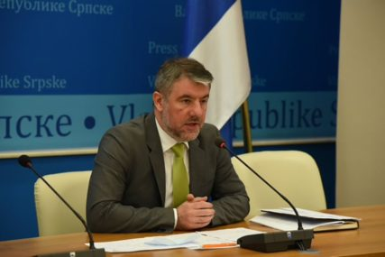 MINISTAR POTVRDIO Još 11 osoba u Srpskoj pozitivno na KORONA VIRUS