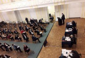 MOĆI ĆE DA GLASAJU POŠTOM Narodnoj skupštini potrebna mogućnost odlučivanja BEZ SASTAJANJA