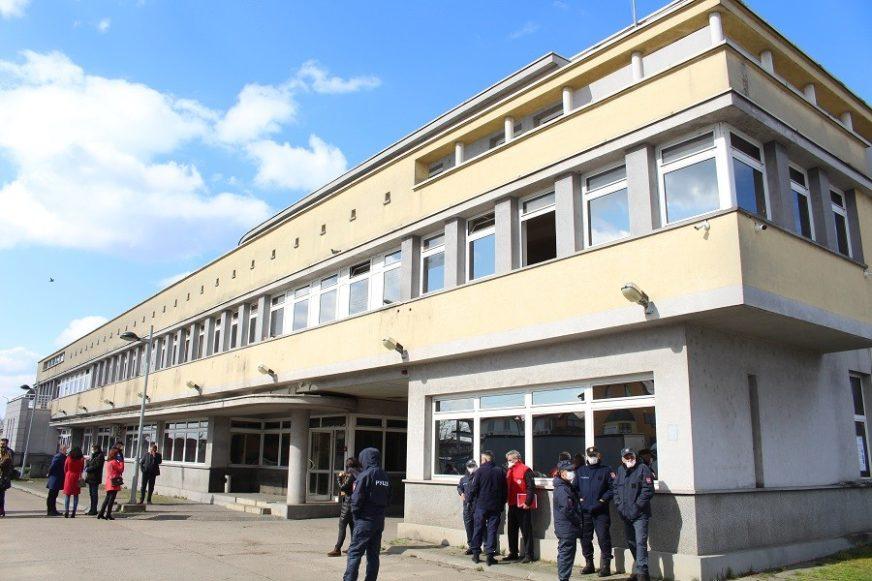 """ŠERANIĆ U GRADIŠKI """"Šatori prazni, karantin za žene i djecu od danas u stambenom objektu"""""""