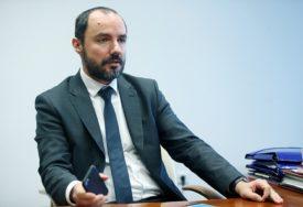 """IZAZVAO BIJES HRVATSKE DESNICE """"Miloševića će dočekati crne majice sa ustaškim simbolima"""""""